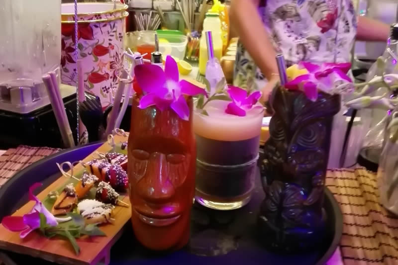 Tiki Comber, Unique atmosphere